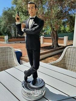 007 James Bond Sideshow Collectible 1/4 Scale Statue of the actor Sean Connery