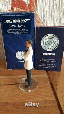 CORGI ICON JAMES BOND 007 Sean Connery white Suit